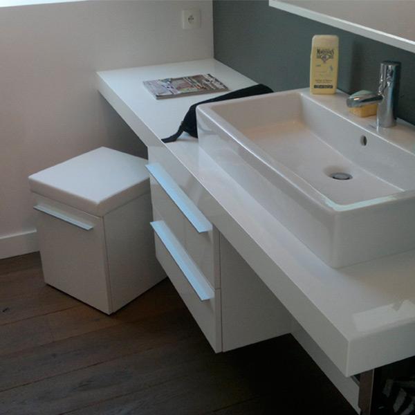 renover meuble salle de bain faire meuble salle de bain with renover meuble salle de bain. Black Bedroom Furniture Sets. Home Design Ideas